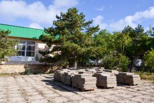 В Черноморское стартовала реконструкция Торговой площади и тротуара
