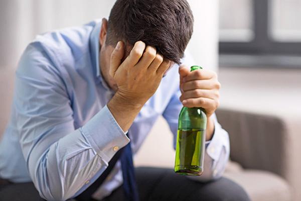 Особенности лечения алкоголизма в «Adomed»
