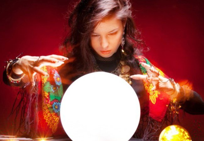 Все астрологи, ясновидящие, гадалки и экстрасенсы